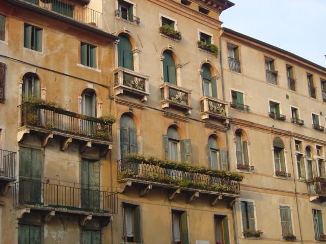 Architetture storiche bassano del grappa angarano corti for Piani di casa del fienile a una sola storia